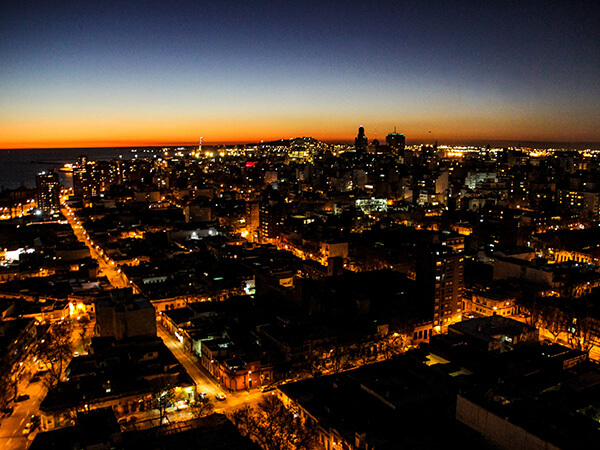 Torre 25 Vista nocturna